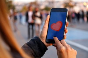 Expert Q&A: First comes Tinder, then comes marriage